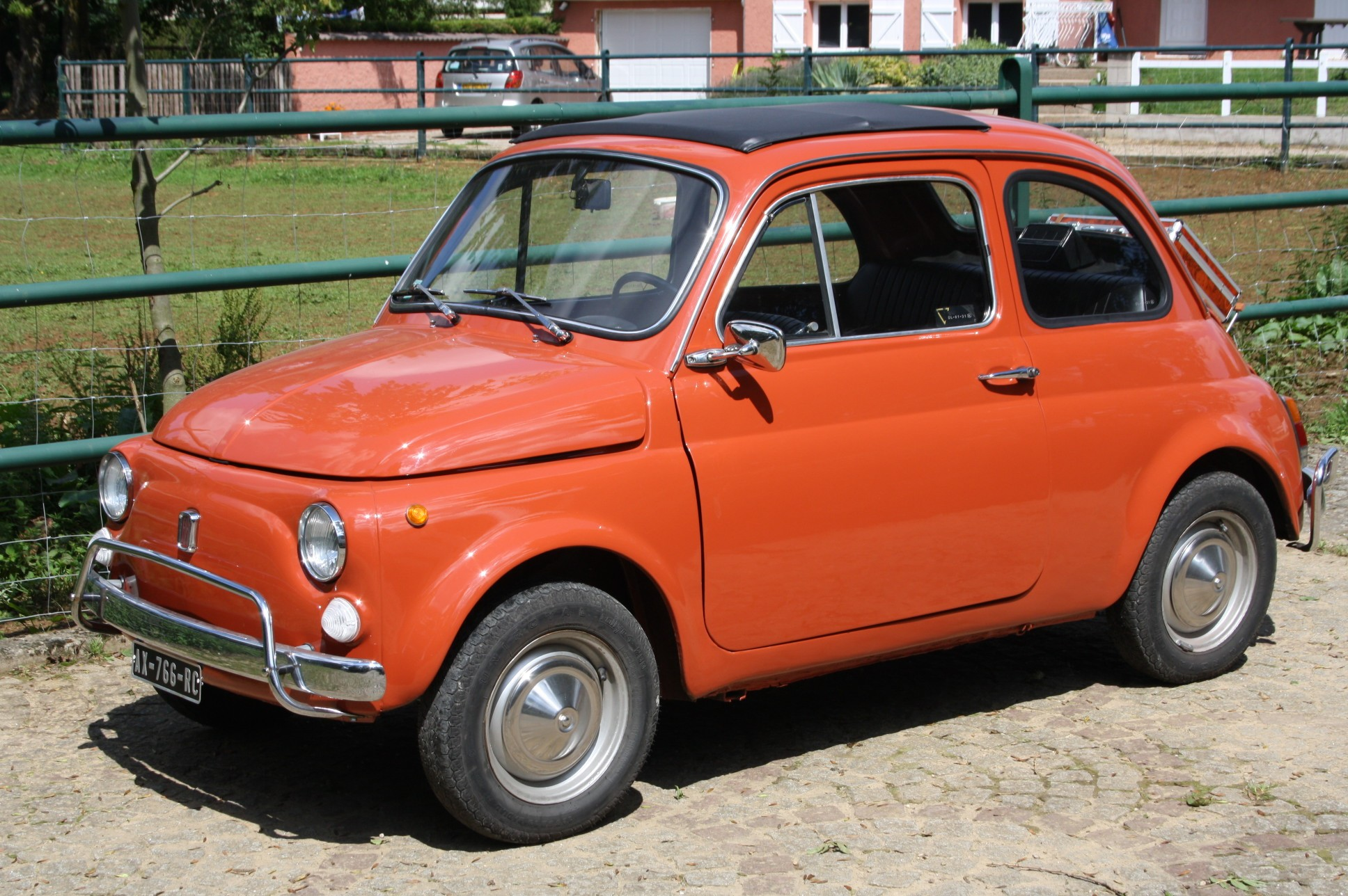fiat 500 l de 1972 couleur orange