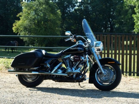 Harley Davidson FLHRS Road King Custom 2007